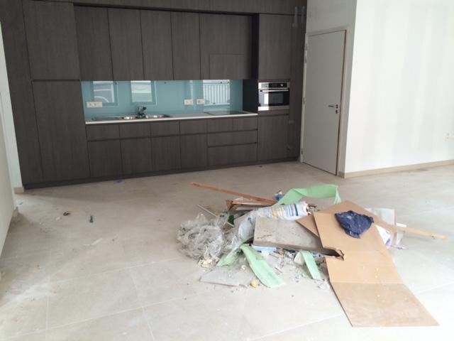Vloerreiniging - keukenvloer bij een particulier voor reiniging